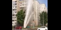 Pukla cijev, a vrela voda polivala po devetom spratu (video)